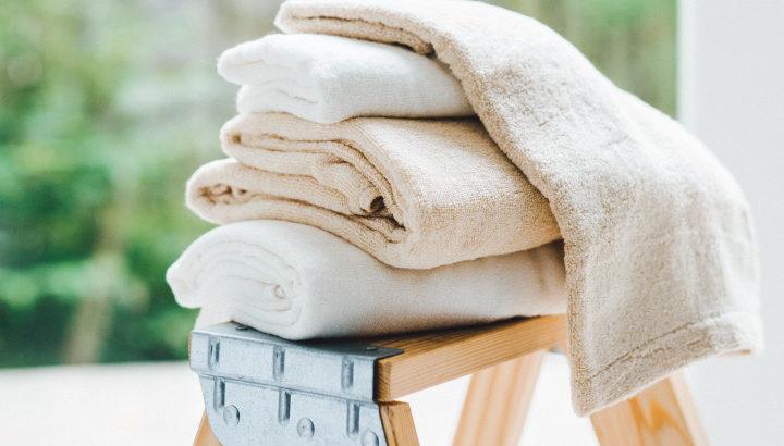 竹布リラックスパンツはシルクのような肌ざわりでよい着心地